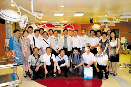 参观新加坡国立大学医院-追求 整体舒适 的医院管理四要素